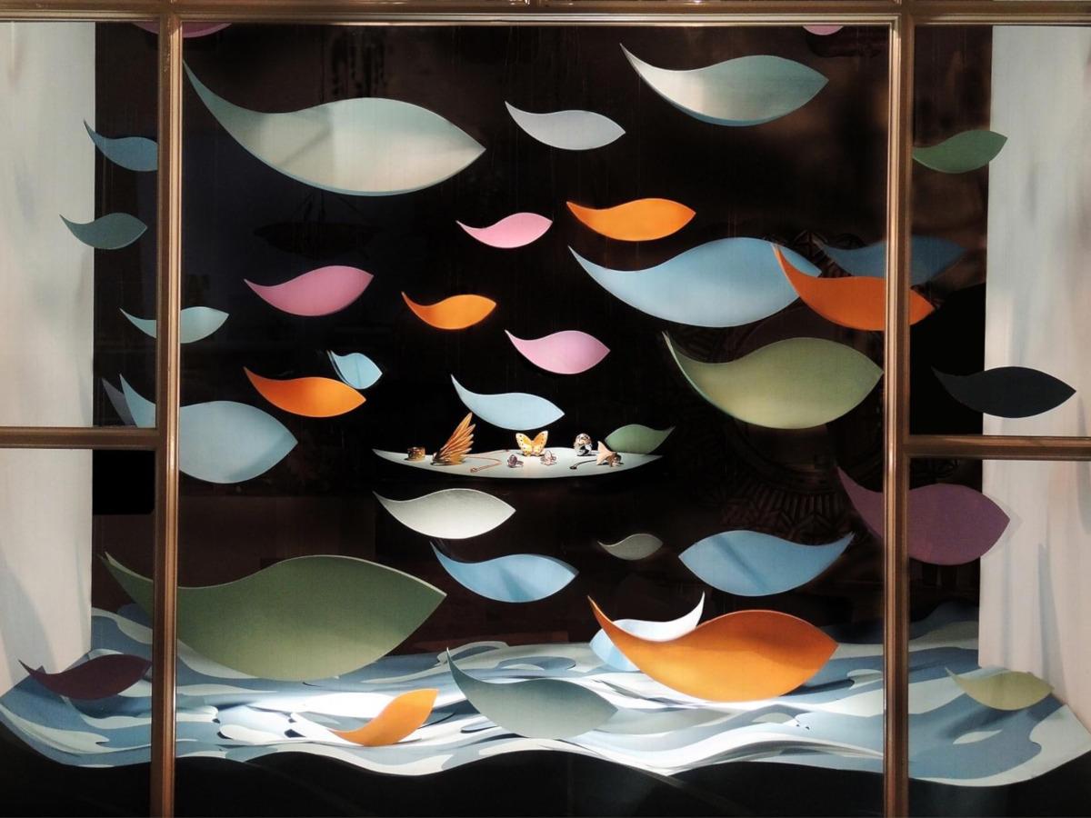 Schaufenster von Krähenmann Jeweler: Fische in Zeiten von Corona. Foto: Peps Dändliker